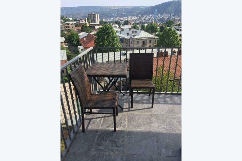 4-комн. квартира, 140 кв.м. на 6 человек, улица Цотнэ Дадиани, 7А, Тбилиси - Фотография 16