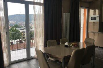 4-комн. квартира, 140 кв.м. на 6 человек, улица Цотнэ Дадиани, Тбилиси - Фотография 3