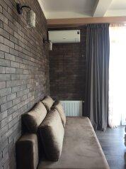 4-комн. квартира, 140 кв.м. на 6 человек, улица Цотнэ Дадиани, Тбилиси - Фотография 4