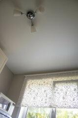 2-комн. квартира, 50 кв.м. на 4 человека, улица Достоевского, Новосибирск - Фотография 4