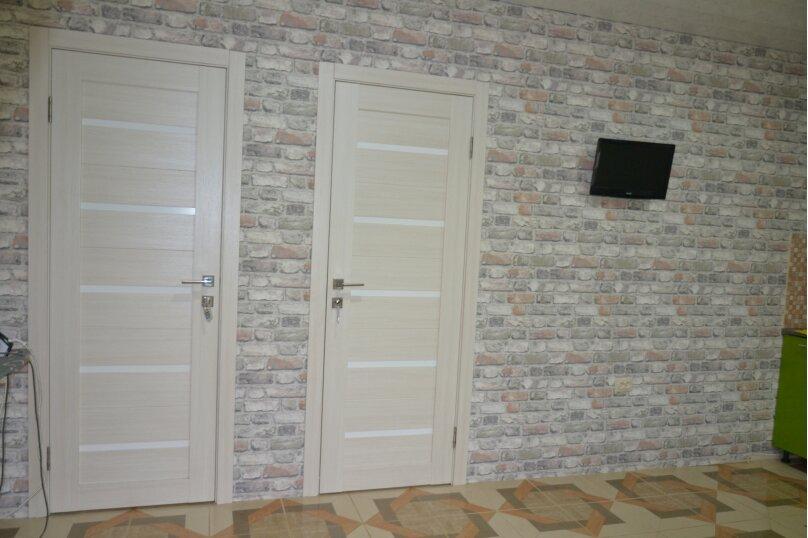 Отдельный 2 комнатный дом с 2 комнатами и 2 сан.узлами и кухней, Морская, 182, Ейск - Фотография 3