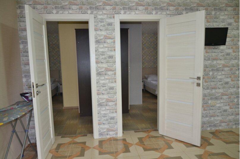 Отдельный 2 комнатный дом с 2 комнатами и 2 сан.узлами и кухней, Морская, 182, Ейск - Фотография 4