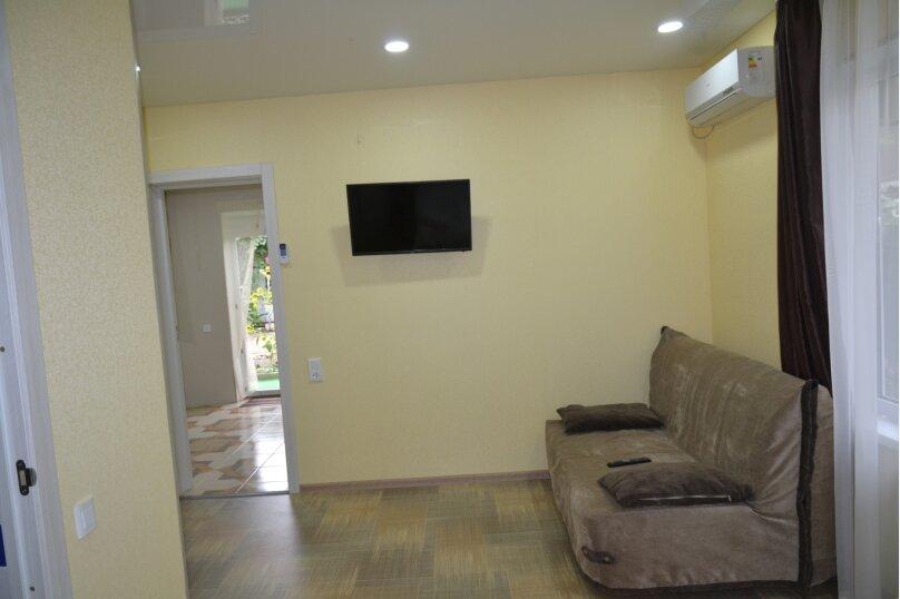 Отдельный 2 комнатный дом с 2 комнатами и 2 сан.узлами и кухней, Морская, 182, Ейск - Фотография 6