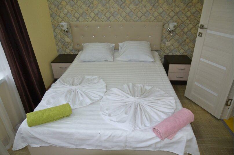 Отдельный 2 комнатный дом с 2 комнатами и 2 сан.узлами и кухней, Морская, 182, Ейск - Фотография 8