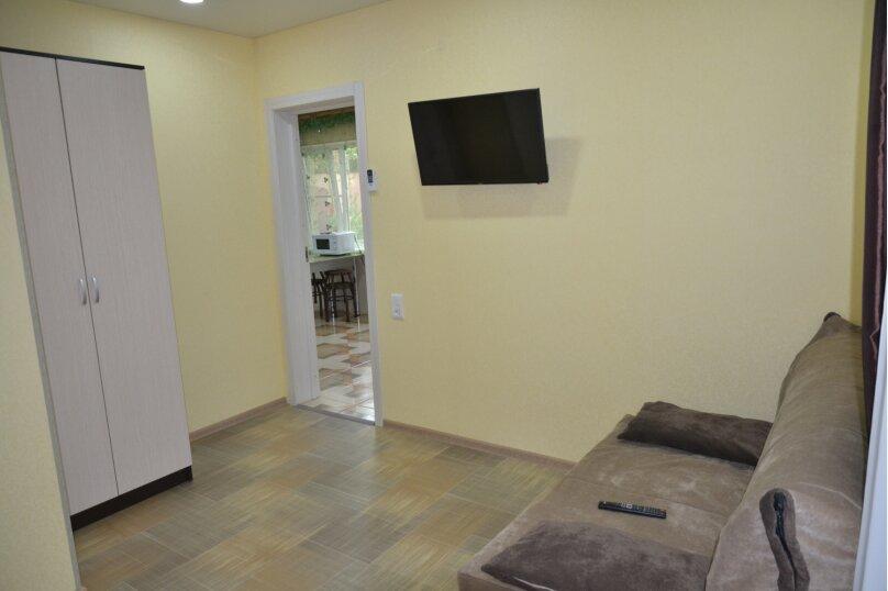 Отдельный 2 комнатный дом с 2 комнатами и 2 сан.узлами и кухней, Морская, 182, Ейск - Фотография 11