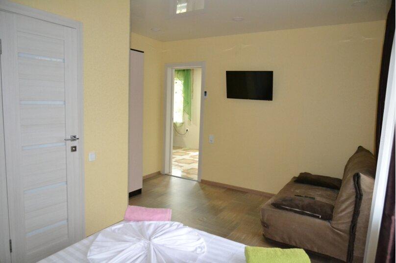 Отдельный 2 комнатный дом с 2 комнатами и 2 сан.узлами и кухней, Морская, 182, Ейск - Фотография 12