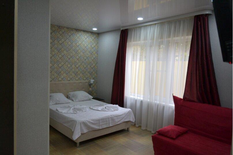 Отдельный 2 комнатный дом с 2 комнатами и 2 сан.узлами и кухней, Морская, 182, Ейск - Фотография 13