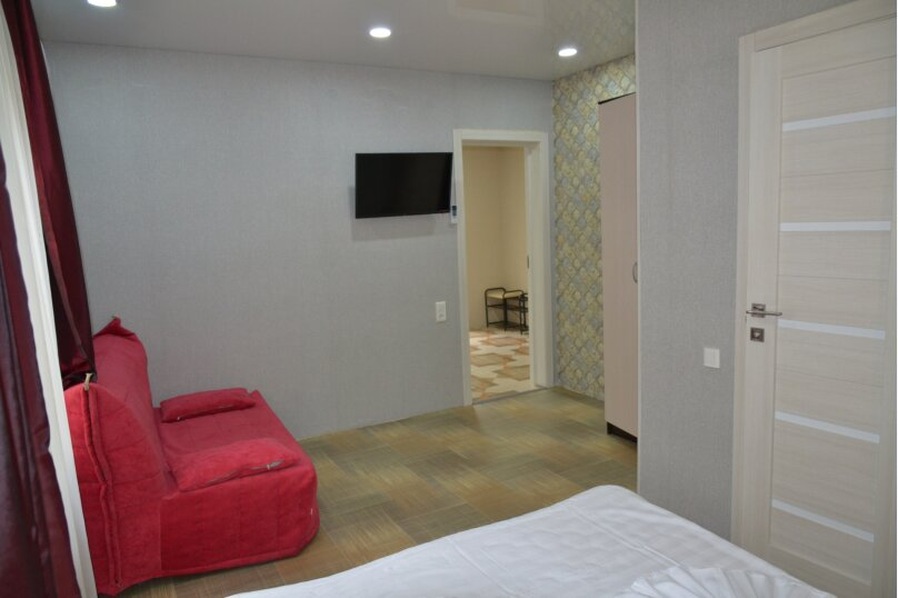 Отдельный 2 комнатный дом с 2 комнатами и 2 сан.узлами и кухней, Морская, 182, Ейск - Фотография 15