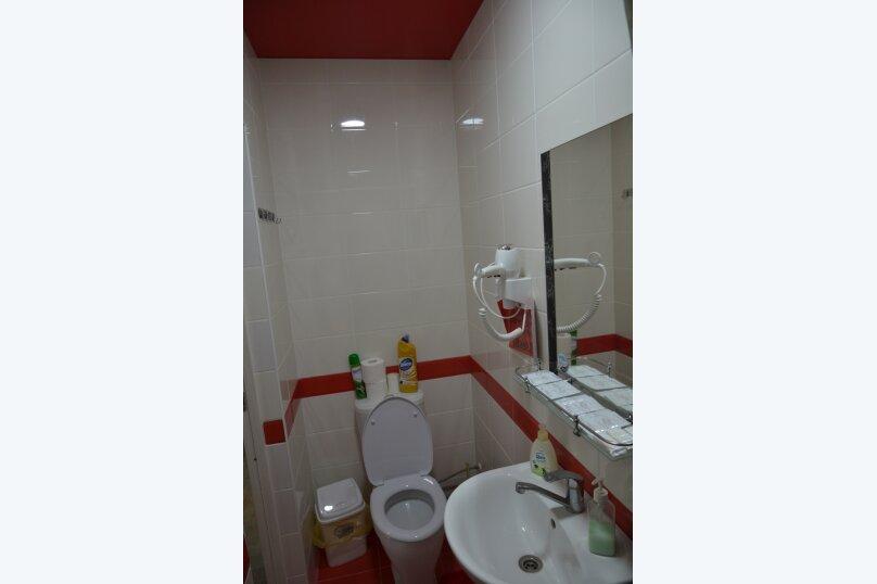 Отдельный 2 комнатный дом с 2 комнатами и 2 сан.узлами и кухней, Морская, 182, Ейск - Фотография 17