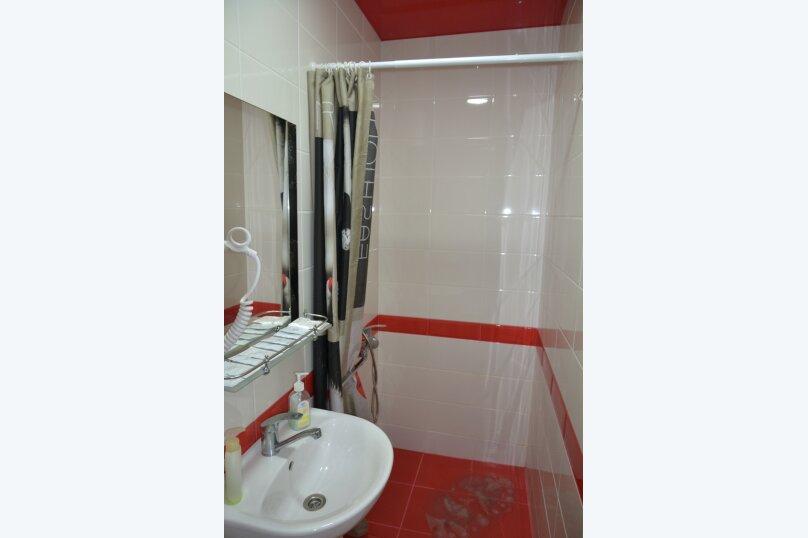Отдельный 2 комнатный дом с 2 комнатами и 2 сан.узлами и кухней, Морская, 182, Ейск - Фотография 18