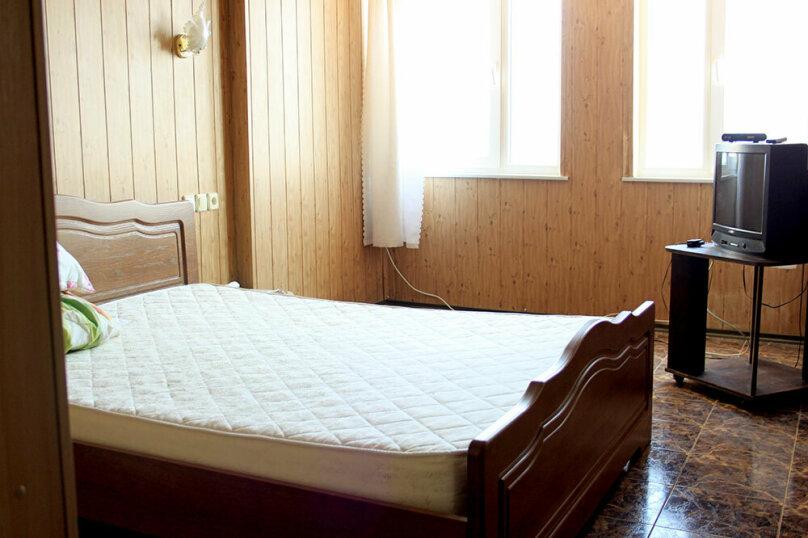 Отдельная комната, улица Ленина, 35Б, эллинг №60, Алупка - Фотография 1