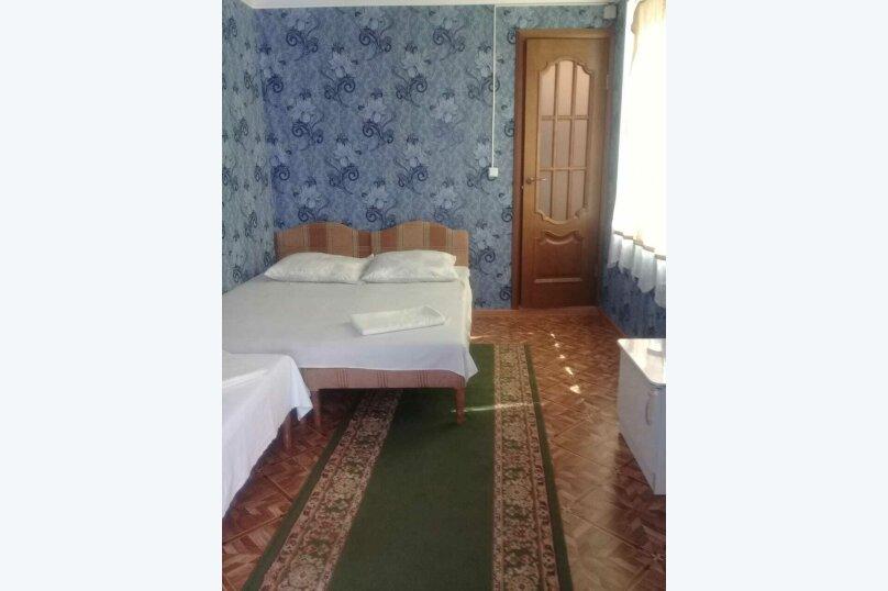 3-х-местный (1 широкая и 1 узкая кровать), микрорайон Южный, 42А, Джубга - Фотография 4