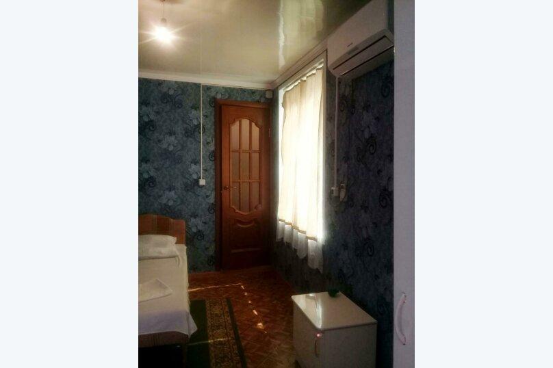 3-х-местный (1 широкая и 1 узкая кровать), микрорайон Южный, 42А, Джубга - Фотография 5