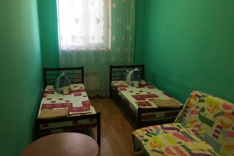 Двухместный номер с двумя отдельными кроватями , Батумская улица, 34, Севастополь - Фотография 1