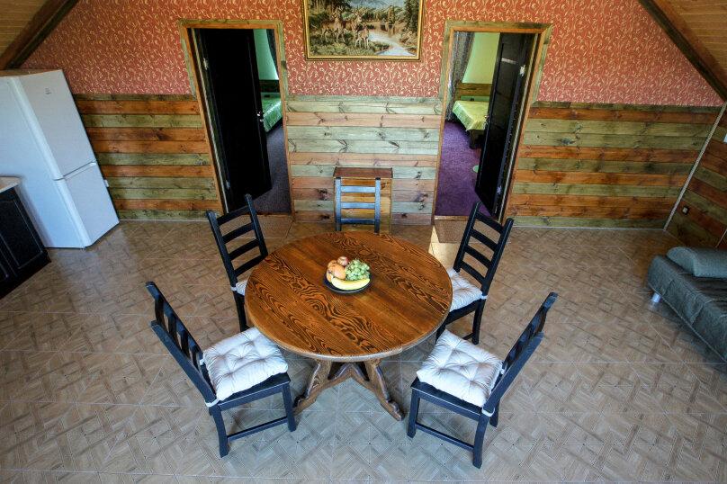 Апартаменты двухкомнатные с кухней третий этаж, Каштановая улица, 14, Архипо-Осиповка - Фотография 1