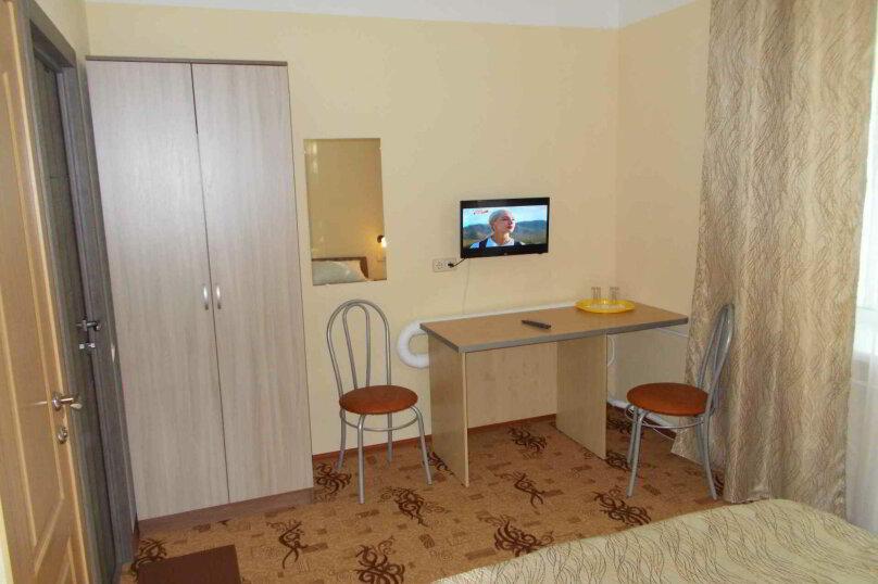 Двухместный номер с собственной ванной комнатой, ул. Уральских рабочих, 50а, Екатеринбург - Фотография 4