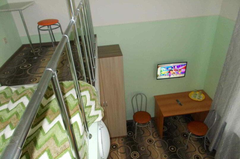 Четырехместный двухуровневый номер с собственной ванной комнатой, ул. Уральских рабочих, 50а, Екатеринбург - Фотография 2