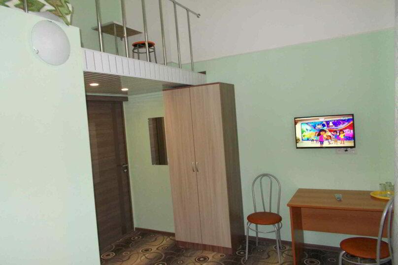 Четырехместный двухуровневый номер с собственной ванной комнатой, ул. Уральских рабочих, 50а, Екатеринбург - Фотография 3