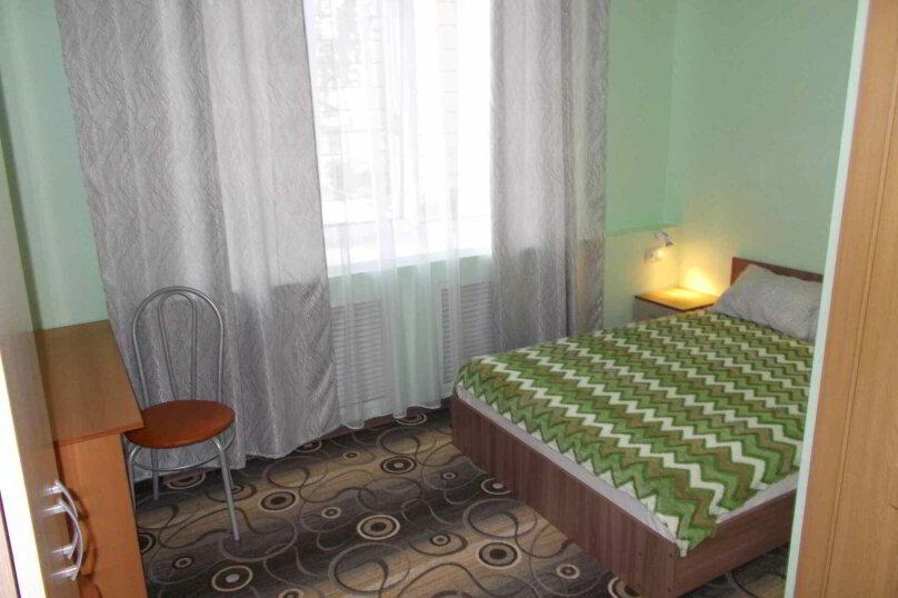 Четырехместный двухуровневый номер с собственной ванной комнатой, ул. Уральских рабочих, 50а, Екатеринбург - Фотография 7