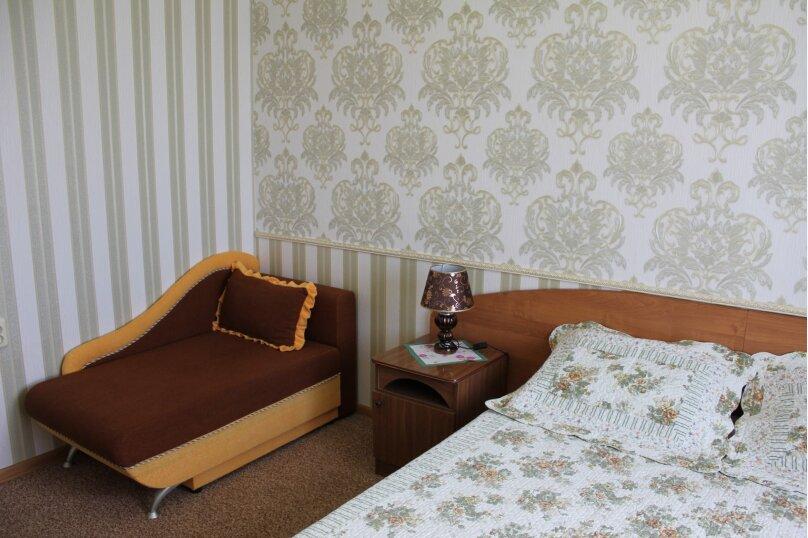 3-х местный номер (2-х спальная или 2-е односпальные кровати) +1 односпальный диван, улица Станиславского, 12, Адлер - Фотография 3