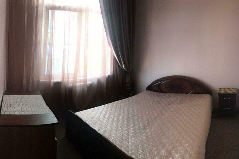 Люкс с большой односпальной кроватью , улица Павлика Морозова, 51, Адлер - Фотография 3