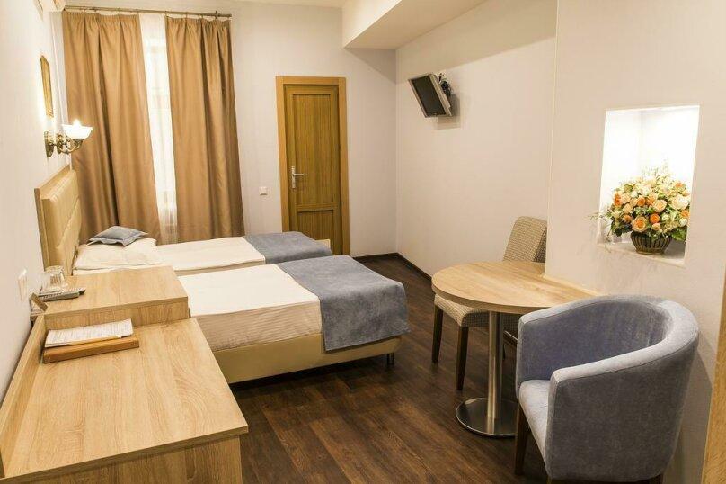 Стандартный двухместный номер с 2 отдельными кроватями, Невский проспект, 93, Санкт-Петербург - Фотография 12
