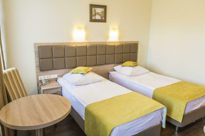Стандартный двухместный номер с 2 отдельными кроватями, Невский проспект, 93, Санкт-Петербург - Фотография 14