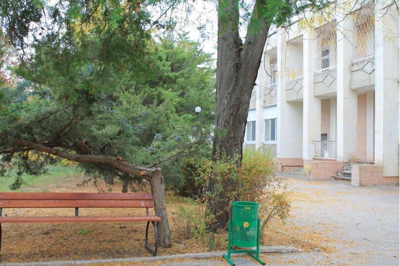 4-х местный, БЕЗ питания, Московская улица, 9/15, Евпатория - Фотография 1