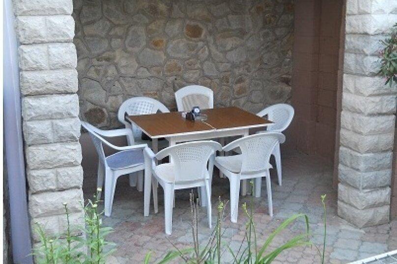 Отдельная комната, ул.Кипарисная, 15, Алушта - Фотография 11
