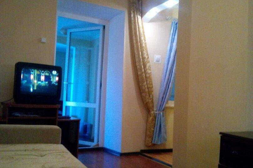 Квартира трёхкомнатная, Севастопольское шоссе, 12, Алупка - Фотография 1