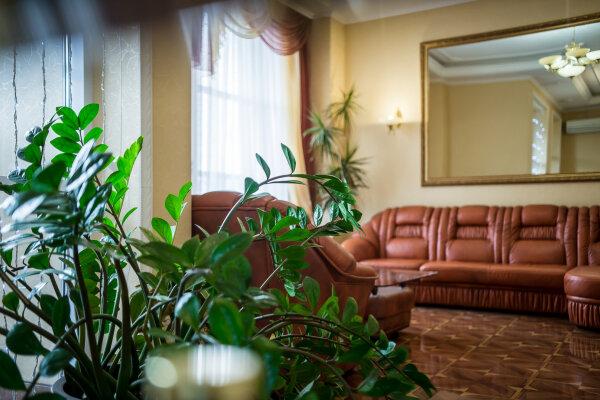 Гостиница, улица Доватора, 144/25 на 39 номеров - Фотография 1