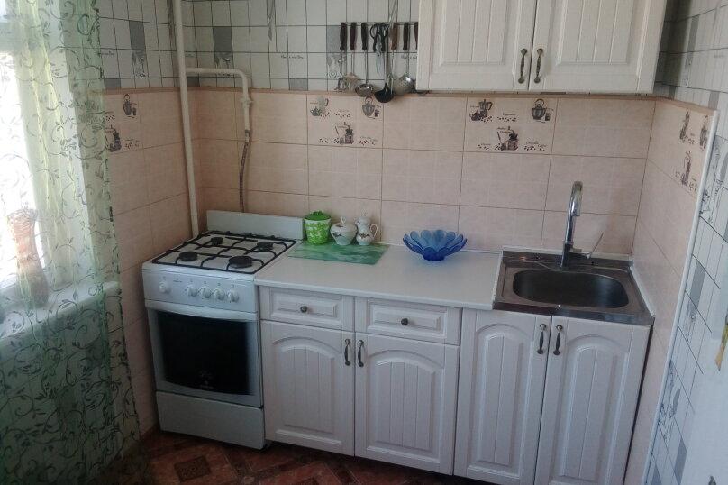 2-комн. квартира, 44 кв.м. на 4 человека, улица Ворошилова, 45, Керчь - Фотография 3