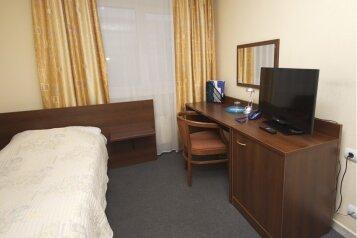 Гостиница , улица Серафимы Дерябиной, 32Б на 29 номеров - Фотография 3