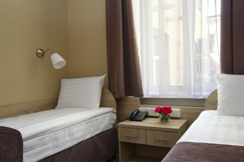 Стандартная комната с двумя кроватями, Большая Конюшенная улица, 10, Санкт-Петербург - Фотография 3