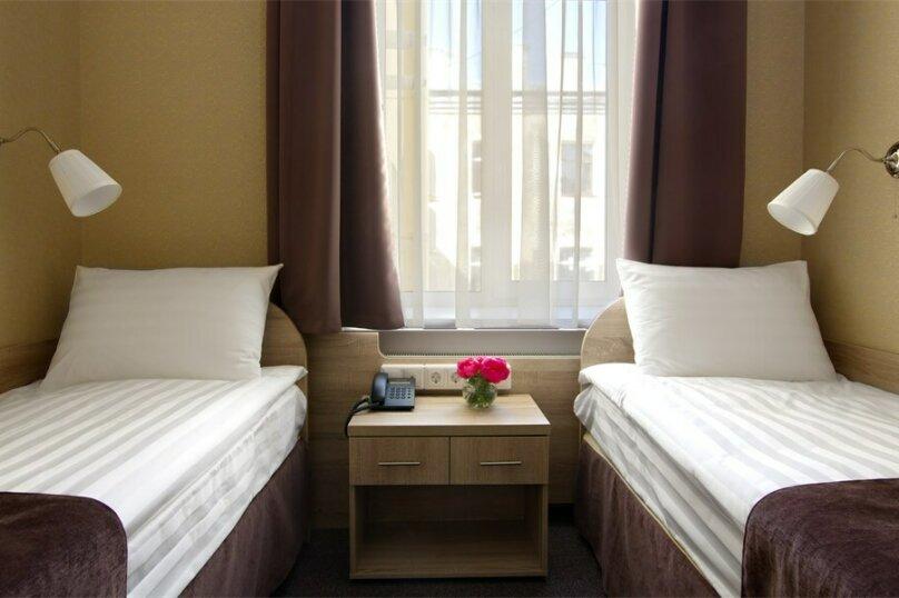 Стандартная комната с двумя кроватями, Большая Конюшенная улица, 10, Санкт-Петербург - Фотография 4
