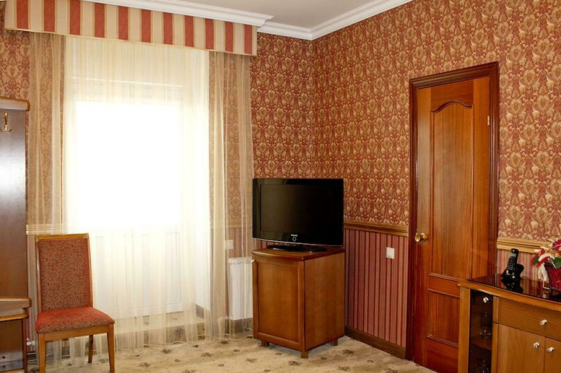 Стандарт №22, 24 с балконом, Курортный бульвар, 5, Кисловодск - Фотография 2