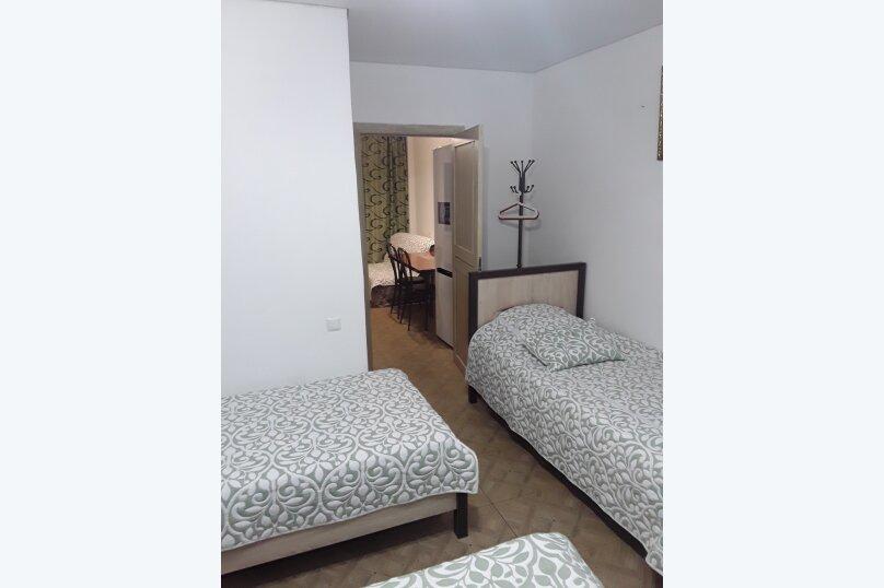 Отдельная комната, Свирская улица, 22, Лазаревское - Фотография 2