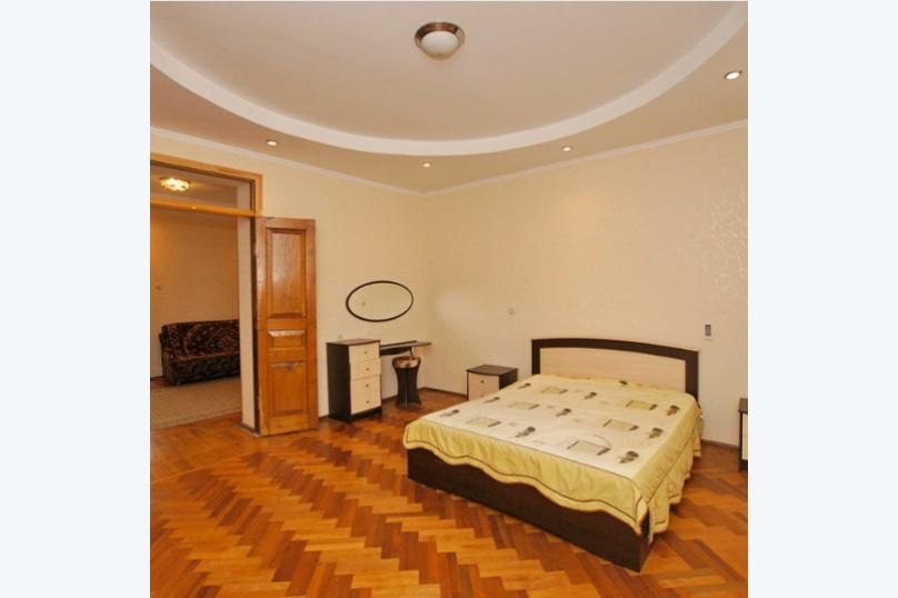 Отдельная комната, улица Джонуа, 24, Сухум - Фотография 1