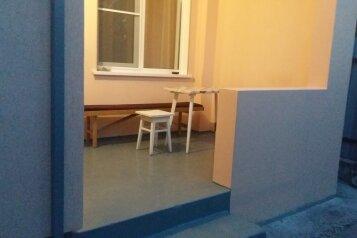 Сдам домик  в центре города. До моря 7-8 минут, 60 кв.м. на 5 человек, 2 спальни, Красная улица, Геленджик - Фотография 2