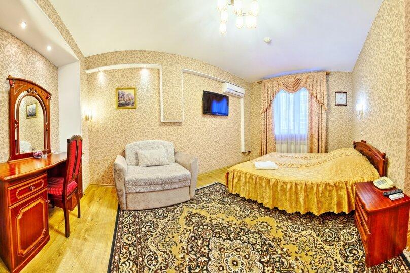 Комфорт с двуспальной кроватью и раскладным креслом, Варварская улица, 10Б, Нижний Новгород - Фотография 2