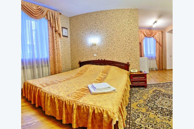 Комфорт с двуспальной кроватью и раскладным креслом, Варварская улица, 10Б, Нижний Новгород - Фотография 3