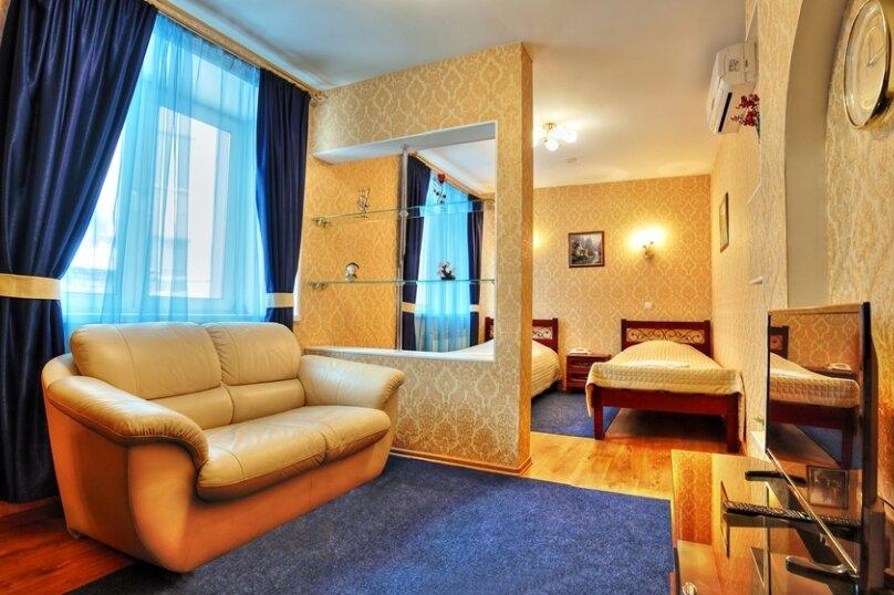Комфорт с двумя односпальными кроватями и диваном, Варварская улица, 10Б, Нижний Новгород - Фотография 1