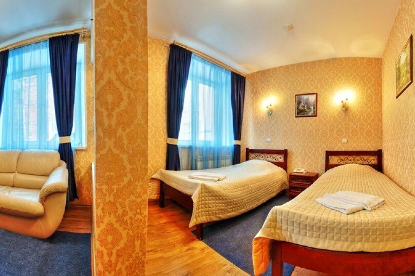 Комфорт с двумя односпальными кроватями и диваном, Варварская улица, 10Б, Нижний Новгород - Фотография 3