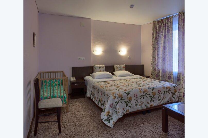 Семейный номер с детской кроваткой, улица Ломоносова, 31, Ярославль - Фотография 1