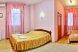 Улучшенный стандарт с двуспальной кроватью размера king-size , Варварская улица, 10Б, Нижний Новгород - Фотография 1