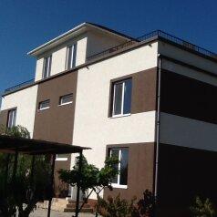 Дом, 200 кв.м. на 10 человек, 4 спальни, Восточное шоссе, 46, Судак - Фотография 2