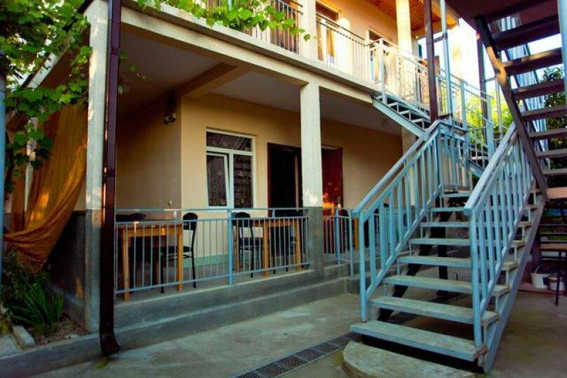 """Гостевой дом """"Дельфин"""", улица Демерджипа, 125 на 20 комнат - Фотография 2"""