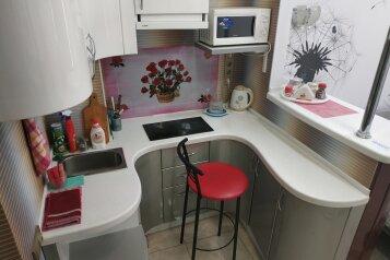1-комн. квартира, 25 кв.м. на 3 человека, улица Адмирала Фадеева, Севастополь - Фотография 1