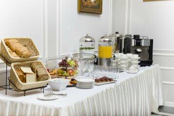 Отель, улица Чайковского, 55 на 70 номеров - Фотография 3