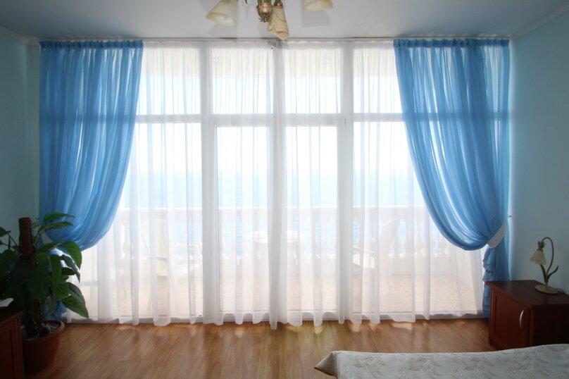 Номер с балконом, улица Ленина, 35Б, Алупка - Фотография 10